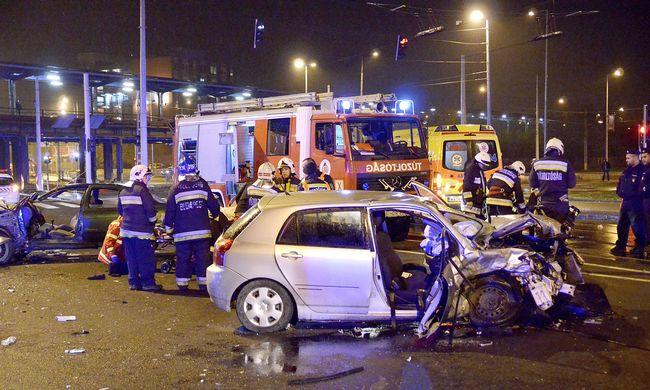 Brutális baleset Budapesten: itt az első fotó