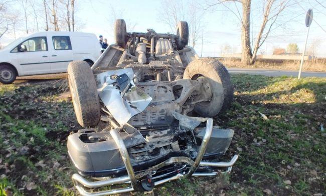Részeg sofőr szenvedett balesetet Debrecenben, egy kerítés állította meg