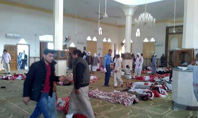 Robbantás és lövöldözés: több százan haltak meg a terrortámadásban