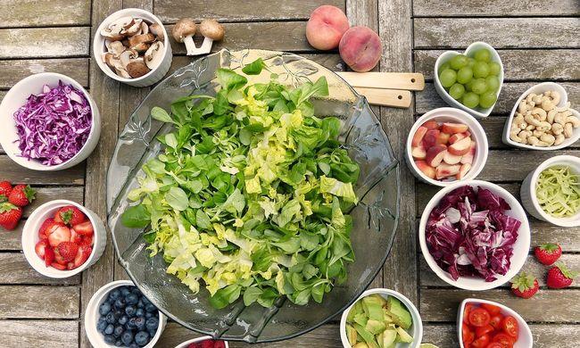 Belehalt a rákba az a nő, aki azt hirdette, hogy zöldségekkel gyógyítható a betegség
