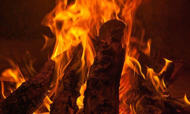 Tragédia: öt kistestvér égett benn a lakásban