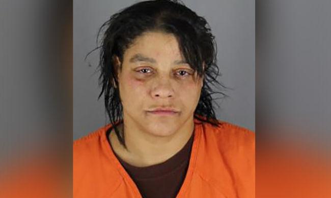 Meggyilkolta vendégét a nő, mert nem osztotta meg vele a drogját