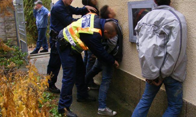 Épp indultak volna a lopott holmival, de megérkeztek a rendőrök