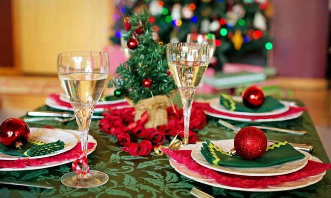 Különös karácsonyi szokás: pénzt kér családjától a vacsoráért
