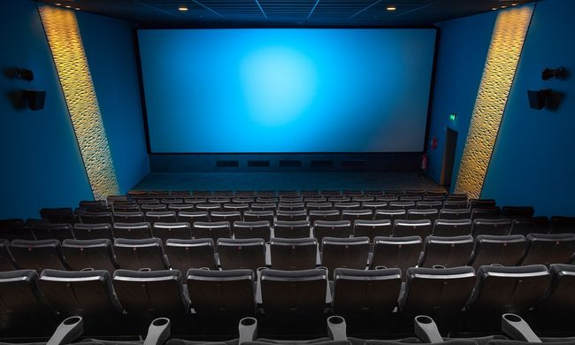 Horror a vetítésen: holtan találtak egy nézőt a moziban