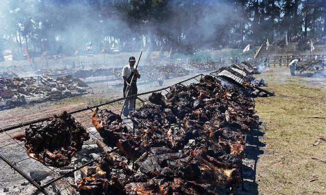 Hihetetlen rekord dőlt meg: itt rendezték a legnagyobb grillpartit