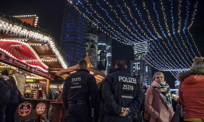 Rendőrök rohanták le a karácsonyi vásárt: lőszert találtak