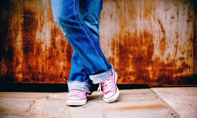 Botrány az iskolában: agyrázkódással vitték kórházba a tinilányt