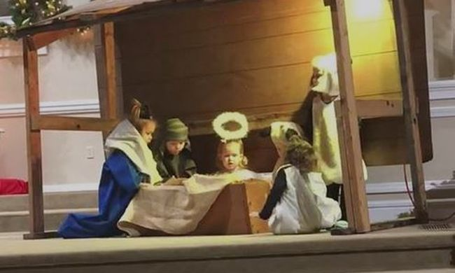 Templomi előadáson vesztek össze az ovisok, a Jézuskáért dulakodtak - videó