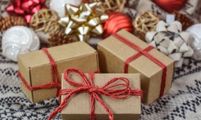 Karácsonyi mesét rendelt az internetről, a dobozban valami teljesen más volt
