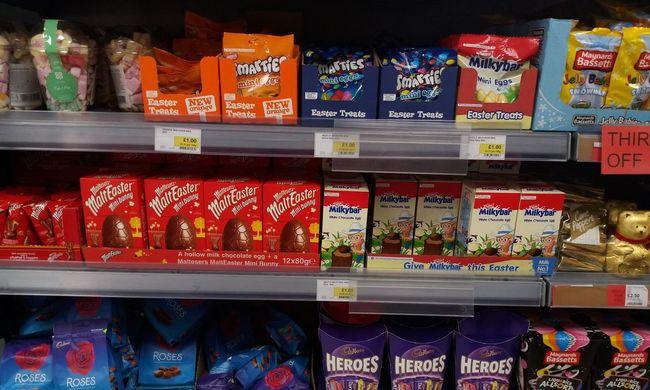Túlpörögtek a boltok: már húsvéti tojásokat lehet kapni