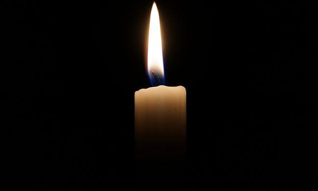 Gyászhír érkezett, elhunyt a kórházban a sorozatszínésznő