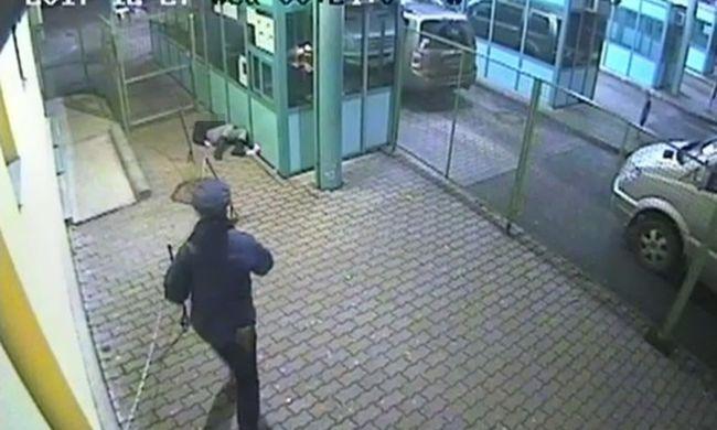 Elájult a határon egy nő, a magyar rendőr élesztette újra