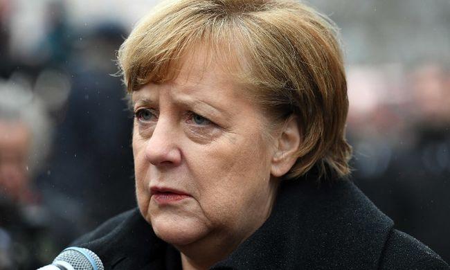 Angela Merkelt próbálta megtámadni egy migráns, a tettes pszichiátriára került
