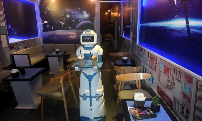 Robotforradalom: néhány év múlva átvehetik az emberek munkáját?
