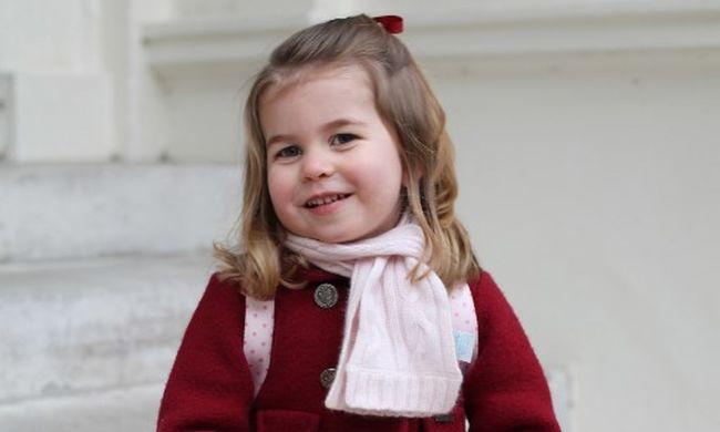Nem csak bájos a kis Charlotte hercegnő, tudása meghazudtolja korát