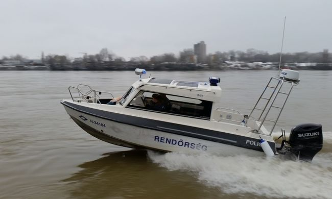 Meghalt egy budapesti férfi a magyar tengeren
