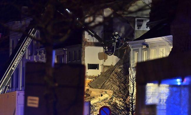 Felrobbant az étterem: súlyos sérültek is vannak, tart a mentés