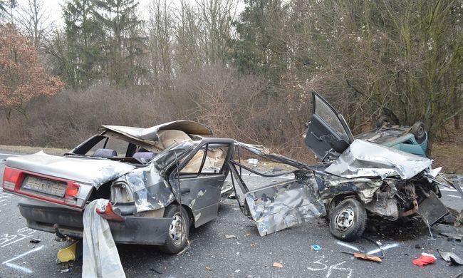 Brutális baleset: a szabálytalan sofőr miatt szakadt ketté a másik autó, a férfi életét vesztette