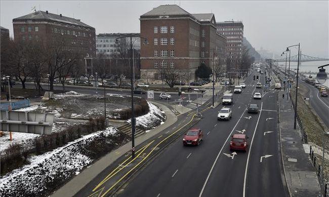 Lezárásokra kell készülni hétvégén, mutatjuk merre nem tud majd közlekedni Budapesten