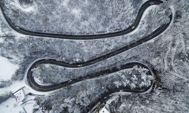 Riasztást kapott a fél ország: havazással jönnek a kemény mínuszok