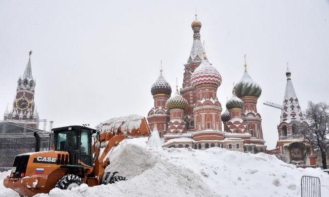 Havazás bénította meg Moszkvát, egy ember meghalt