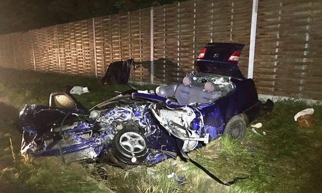 Brutális fotók: halálos balesetet okozott egy férfi Debrecennél