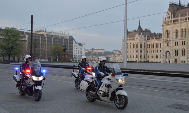 Rendőri felvezetést kapott egy házaspár: az M7-esen indult be a szülés