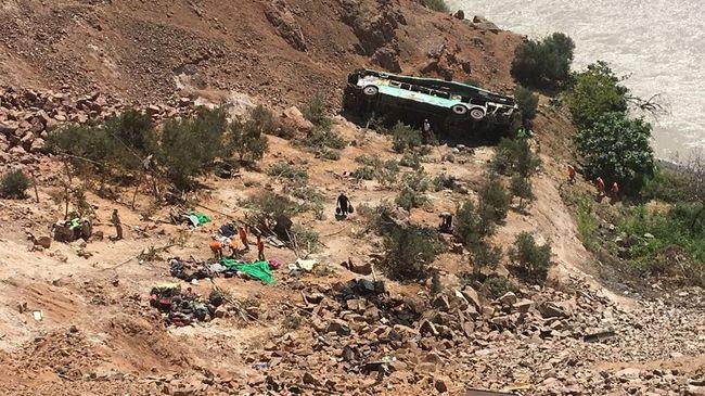 Letért az útról a busz, nagyon sokan meghaltak