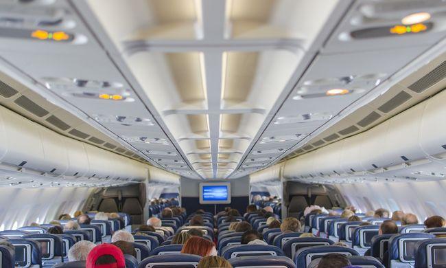 """""""Mindenki hányt a repülőn"""" - furcsa jelentést kaptak a légi irányítók a pilótától"""