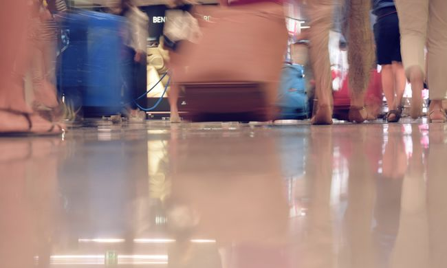 Gyanús csomagot robbantottak fel a reptéren - nem hiszi el, mi volt a bőröndben