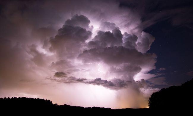 Durva vihar jön, minden megyére kiadták a riasztást