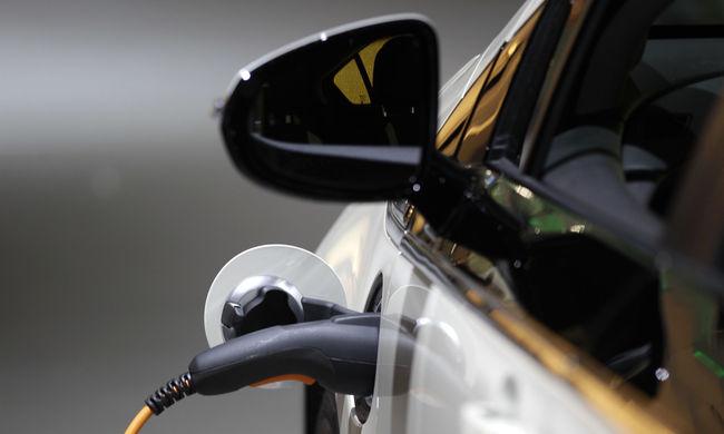 Több elektromos autó - növekvő áramfelhasználás: elbírja a jelenlegi infrastruktúra?