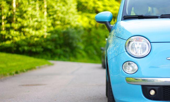 Jó hír az autósoknak: egy adóval kevesebbet kell fizetni