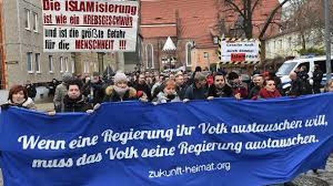 Utcára vonultak a németek: a migránsok távozását követelik