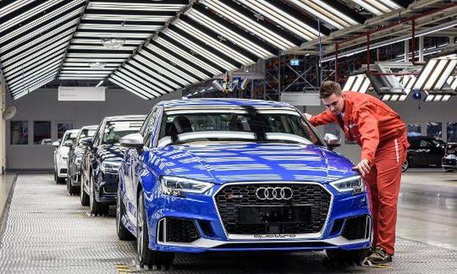 25 éve Győrben az Audi: Dakarig érne a kocsisor