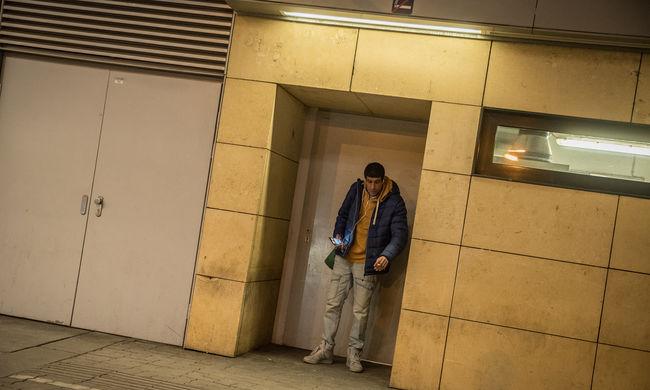 Késsel támadt a migráns, szétkaszabolta egy német férfi arcát