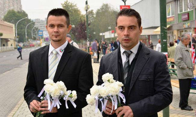 """""""Ha 18 éves leszel, felvállallak!"""" - magyar politikus üzenetét találták a meggyilkolt lány telefonjában"""