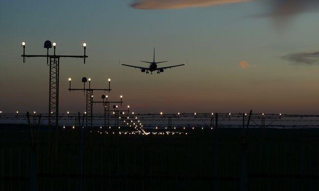Robbanás a reptér szélén, többen megsérültek
