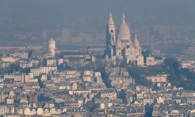 Olyan szennyezett a levegő, hogy ingyenes lehet a tömegközlekedés