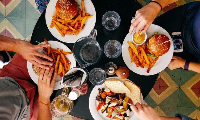Vacsora közben is veszélyben vagyunk: a házi kosztba is kerül ebből az anyagból