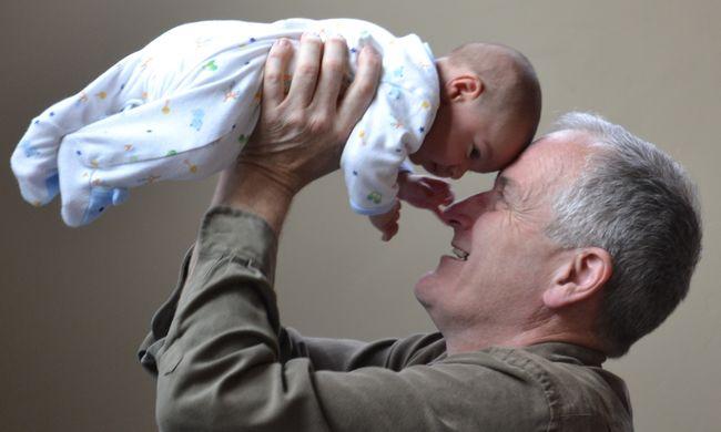 Újfajta támogatást kapnak a nyugdíjasok, így lehet igényelni az összeget