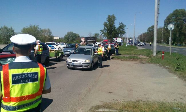 Nyíregyházán csapott le a rendőrség, több száz sofőrt ellenőriztek