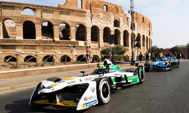 Pápai áldás után Rosberg ringbe száll
