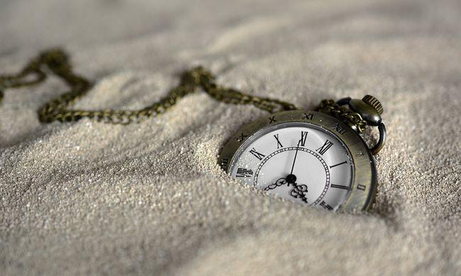 Nagyon figyeljen oda, változnak a menetrendek a vasárnapi óraátállítás miatt