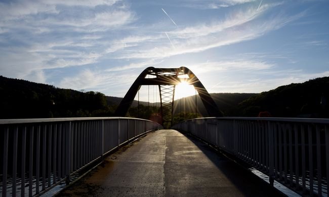 Ismét bebizonyosodott: az ember ész nélkül hallgat a GPS-re, ez a híd is veszélybe került