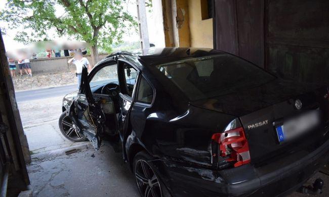 Dráma a baleset helyszínén: mentőkre támadt egy férfi Mohácson