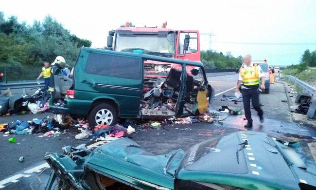 Ceglédberceli tragédia: a facebookozó sofőr sógornője élőben nézte végig a balesetet