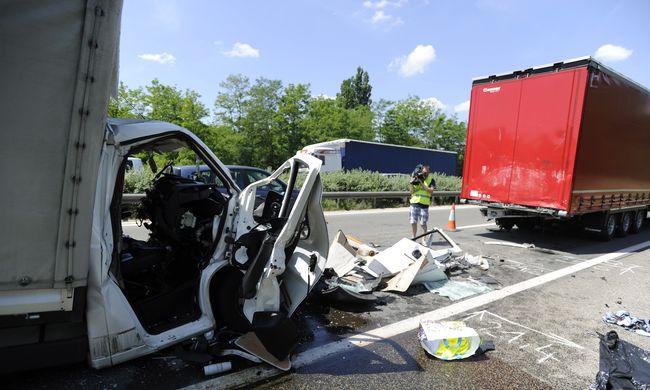 Megrázó dolog derült ki az M5-ösön történt balesetről, újabb román sofőr vesztette életét