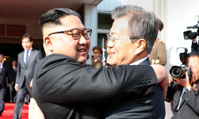 Erre senki sem számított, újra egyeztetett Észak- és Dél-Korea